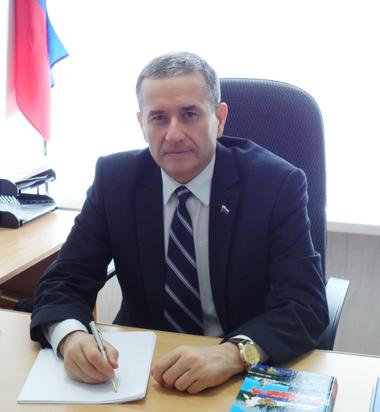 Александр Русов